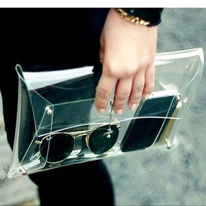 Handbags - New Item✨ Oversized Clear Clutch 😍✨
